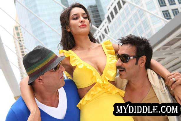 Lisa Haydon Rascals Movie Hot Stills