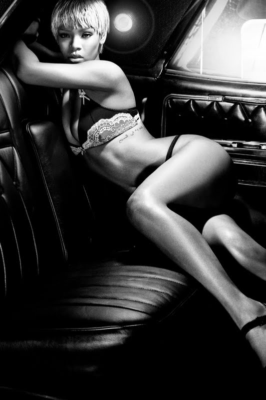 Rihanna – Emporio Armani Underwear Photoshoot