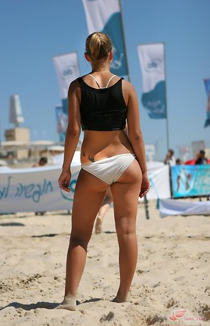 Hot+female+beach+volleyball+players