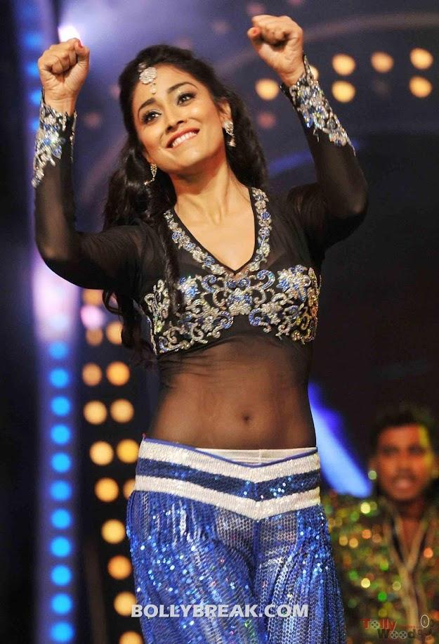 Shreya Dance Performance @ Cinemaa Awards 2011- hot pics