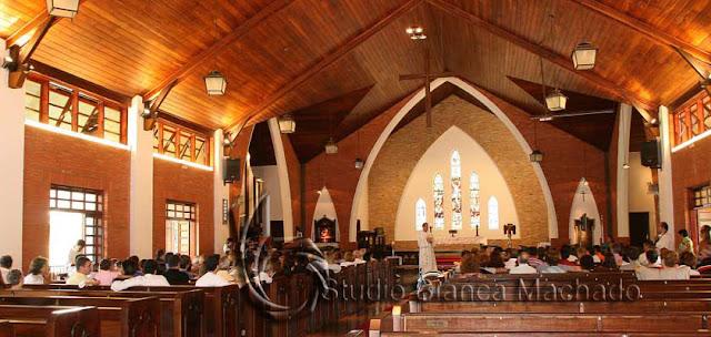 fotos de igrejas batizado