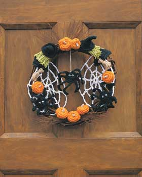 Christmas Wreath Ornament or Pin - Barb's Crochet