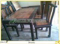 Meja dan Kursi Makan Kayu Jati Ukiran Dinasty