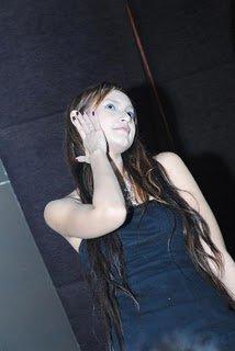 Inilah Foto-foto Model Cantik Della Caroline - Ada Yang Asik