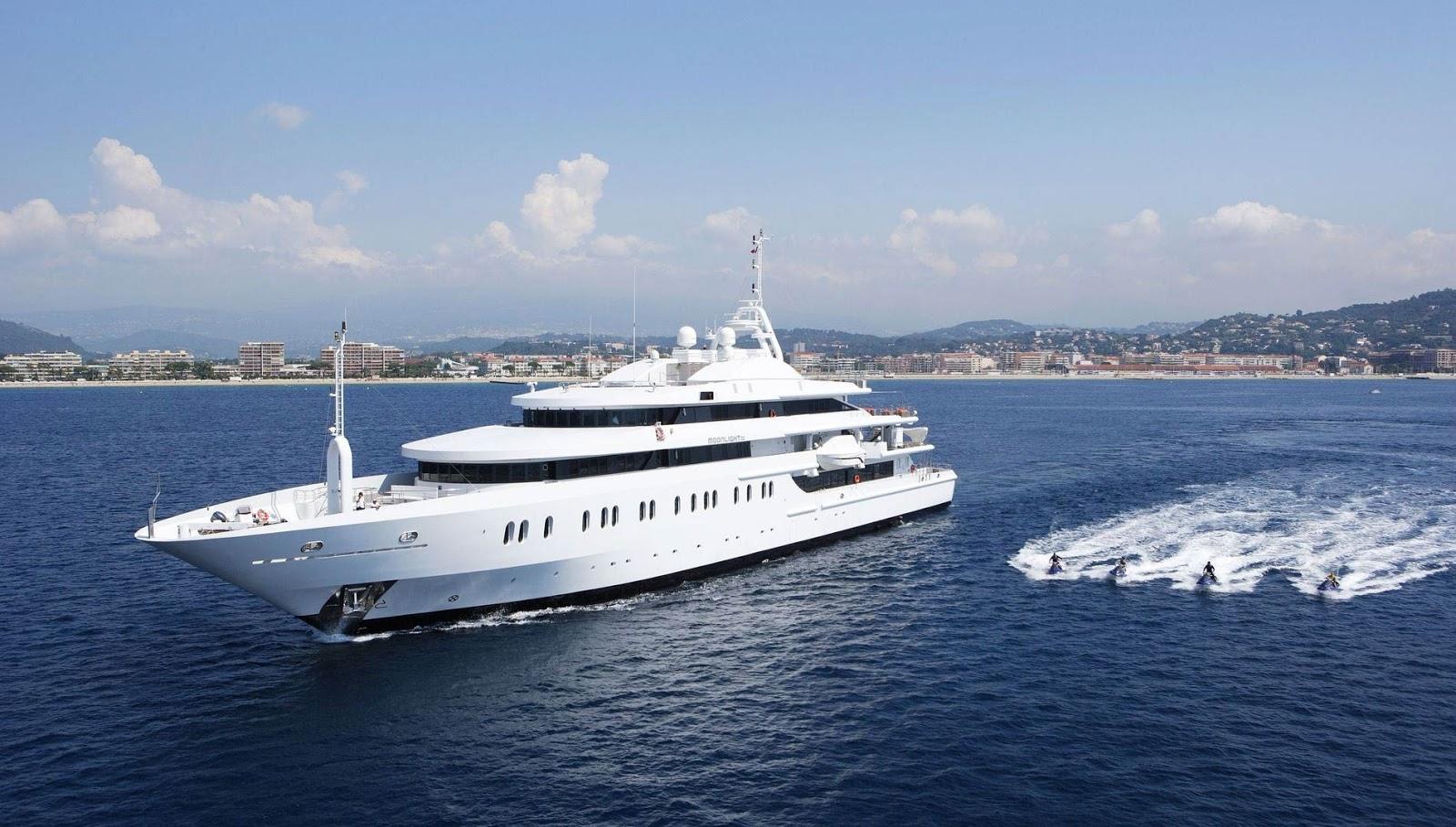 Superyacht MOONLIGHT II Port Side