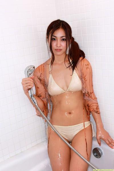 Minase Yashiro Sexy With Bikini