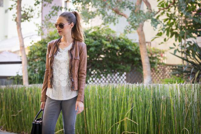 how to wear jeans and a tee for fall, M Loves M