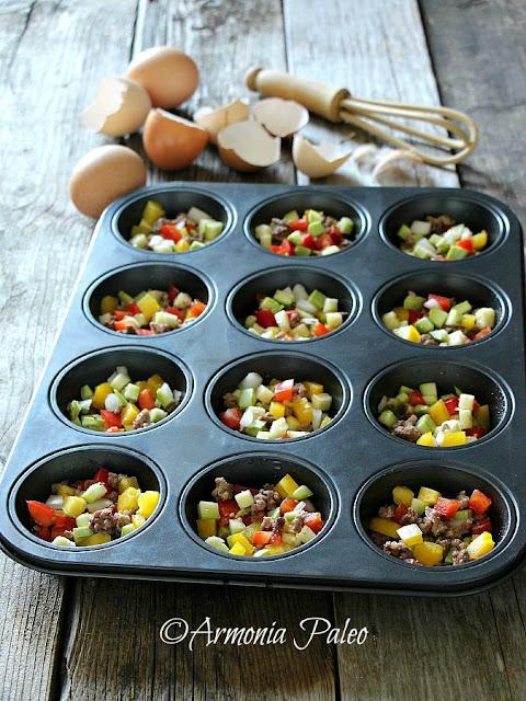 Muffins di Frittata con Carne e Verdure di Armonia Paleo