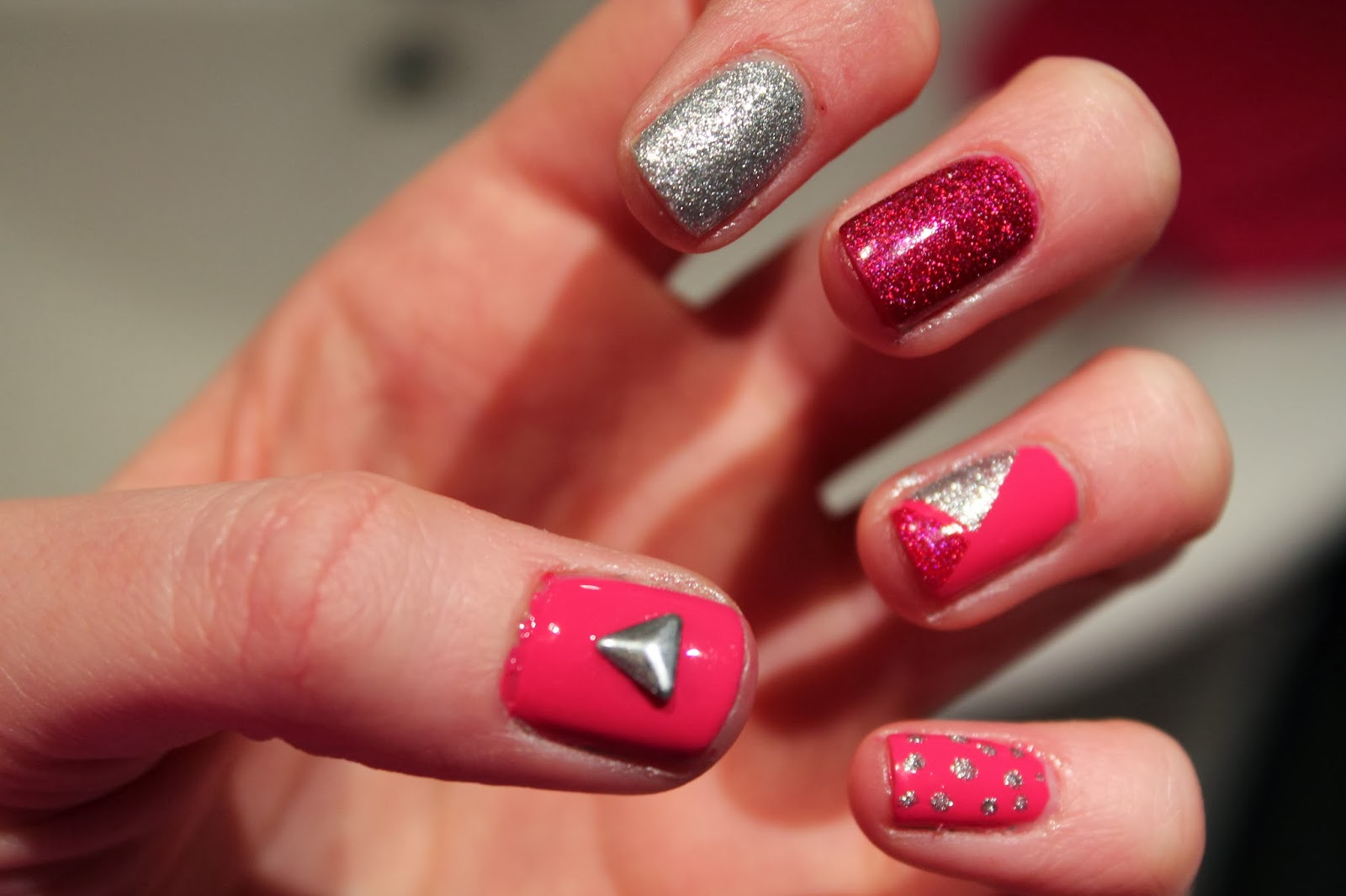 Nail Art Pink Silver Sparkly Nails