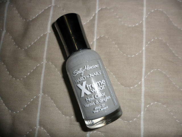Sally hansen hard as nails Xtreme wear in wet cement (swatch)