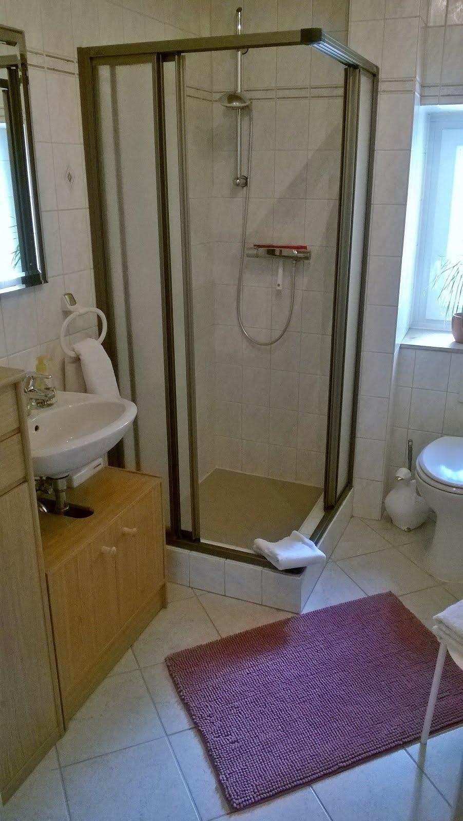 XL App. 7 - Duschbad WC