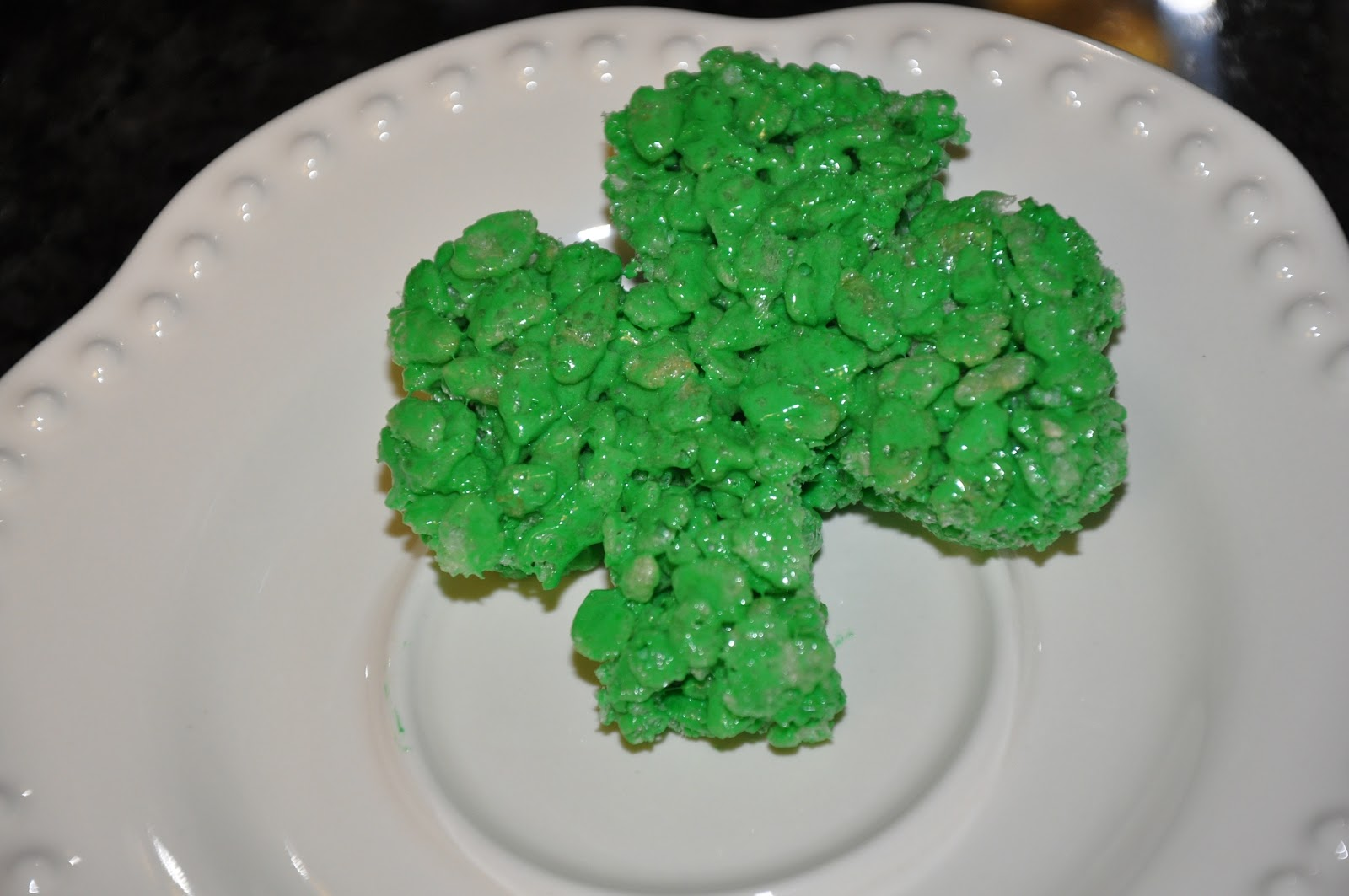 Elizabeth Ann\'s Recipe Box: St Patrick\'s Day Rice Krispies Treats!