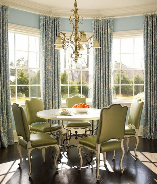 Beaux mondes designs bay bliss seven design compositions to make the most of your bay window - Ideas of window treatments for bay windows in dining room ...