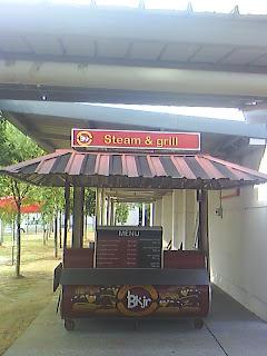 Moh makan Burger Kukus Jalan Rejang..