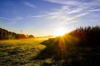 Manfaat Berjemur di Bawah Sinar Matahari Pagi
