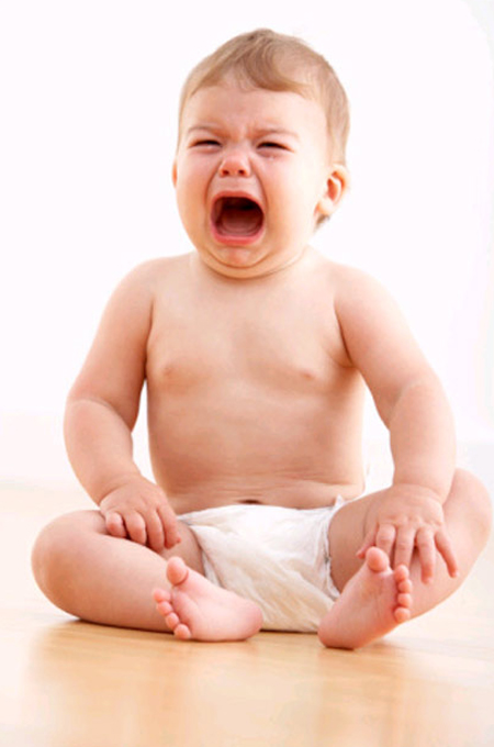 صورة طفل رضيع يبكي ويصرخ بصوته