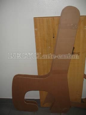 Recyclarte carton cartonnage comme faire un meuble en for Caler un meuble
