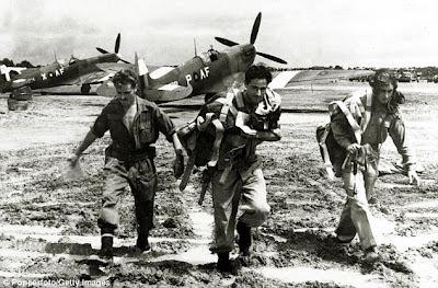 ျမန္မာျပည္မွာဝွက္ထားခဲ့တဲ့ ျဗိတိသွ်တိုက္ေလယာဥ္ေတြ ျပန္ေဖၚမယ္ – Spitfires buried in Burma