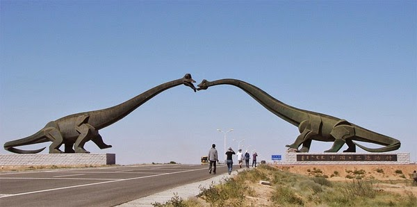 Catch two dinosaurs kissing at the border of China and Mongolia