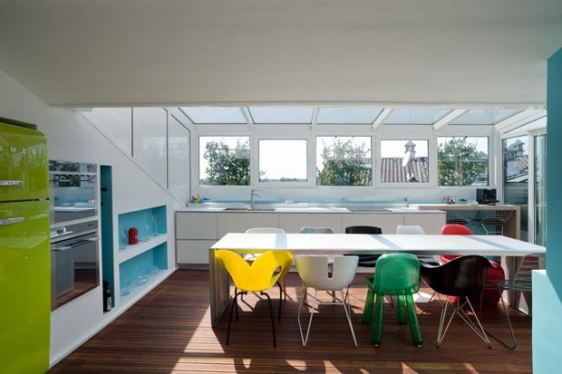 Cucina verde acido tinta per pareti grigio perla la sala e cucina