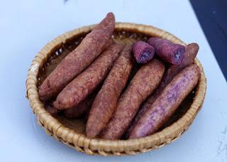 Fried Crispy Purple Yam Cakes (Bánh Khoai Mỡ Chiên Giòn) 3