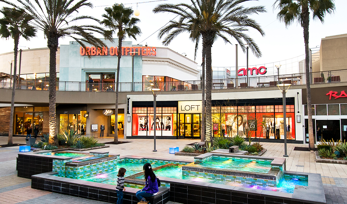 California style clothing stores