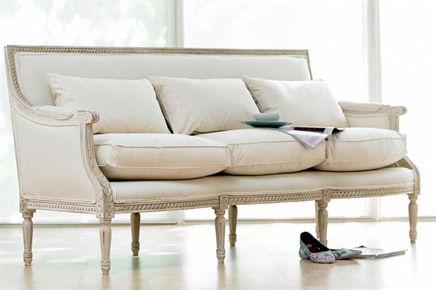 Decopics sillones cl sicos cu l pondr as en tu living for Sofa clasico ingles