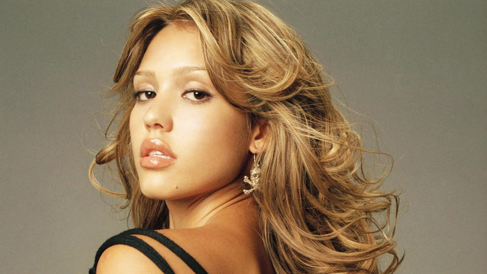 Cute Jessica Alba Best HD Wallpaper