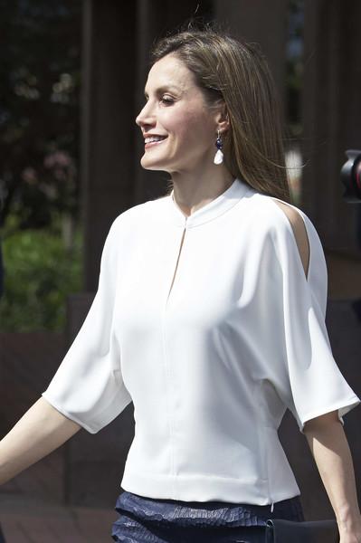 Royals fashion le dressing de letizia les v tements for Adolfo dominguez tenerife