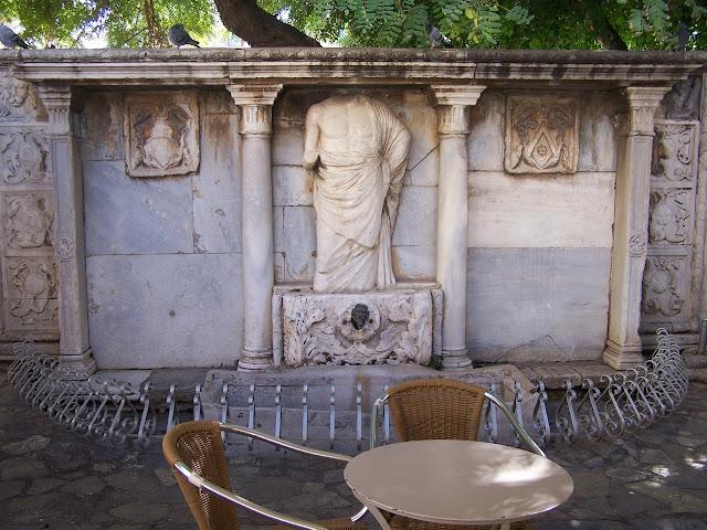 Venedik dönemi Bembo Çeşmesi, Heraklion