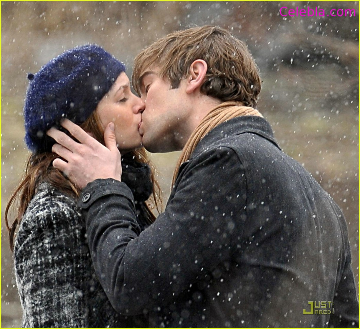 Chace Crawford Kissing Leighton Meester Wallpaper