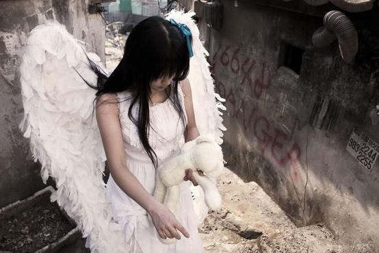 Hình ảnh con gái buồn vì thất tình, chia tay tình yêu