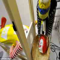 HUMOR,mc donalds,ronald mc donald beheaded pics,ronald mc donald beheaded,Ronald McDonald-The Mc donalds Clown Kidnapped,mac donald,best food, food coupons, Beauty Foods That Will Keep You Young and Healthy,