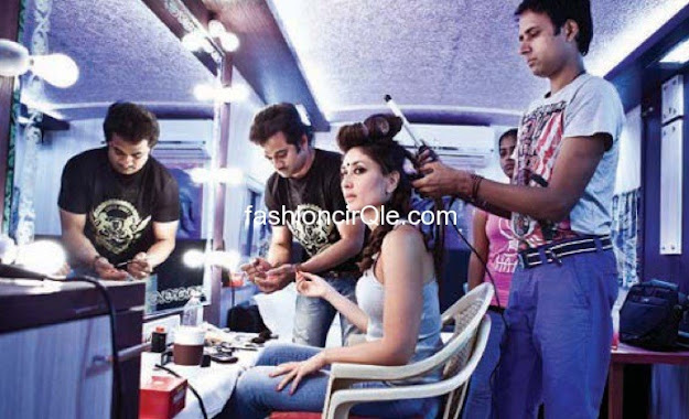 Kareena Kapoor vanity van hot pic - (13) - Kareena Kapoor on the sets of Halkat Jawani - Unseen Pics