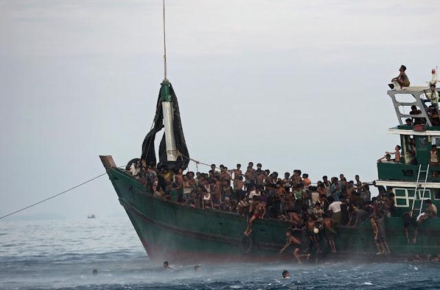 Refugiados e inmigrantes en el mar
