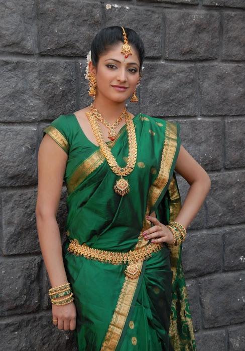 hari priya in saree latest photos