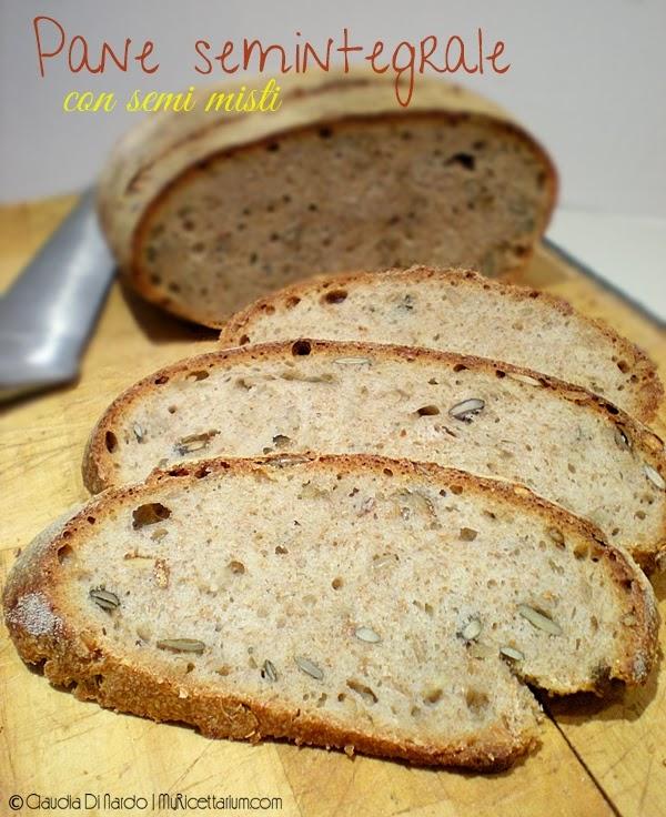 Pane semintegrale con semi vari