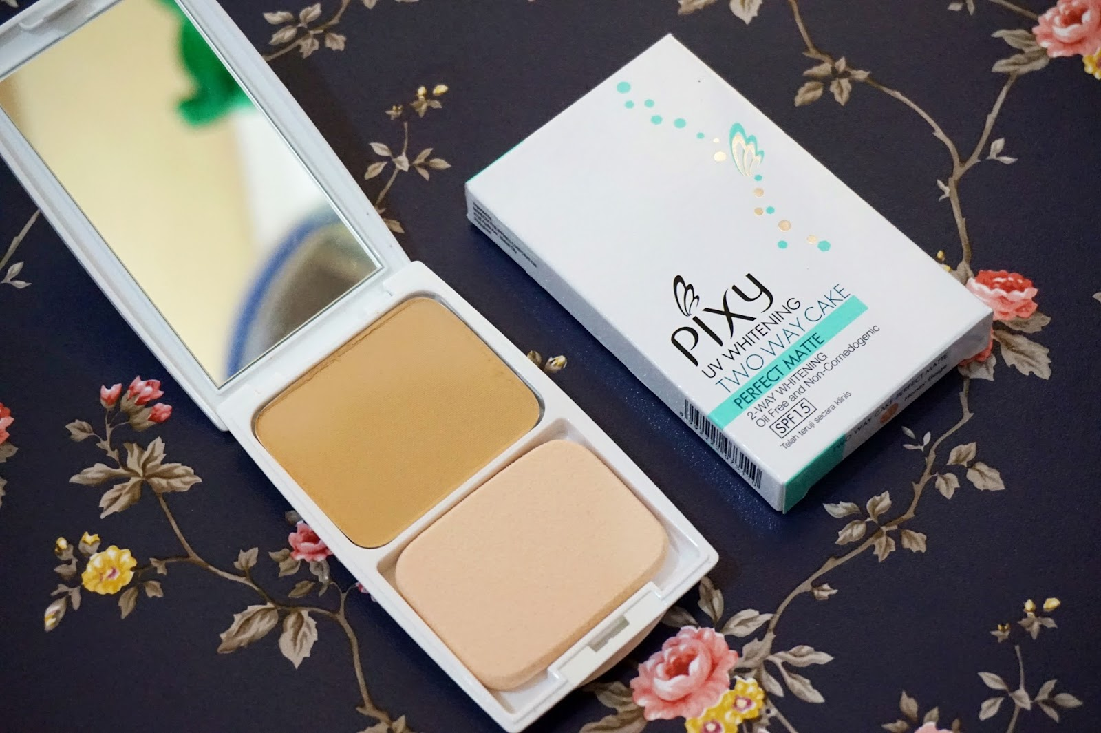 Pixy UV Whitening Two Way Cake Perfect Matte Foundation review