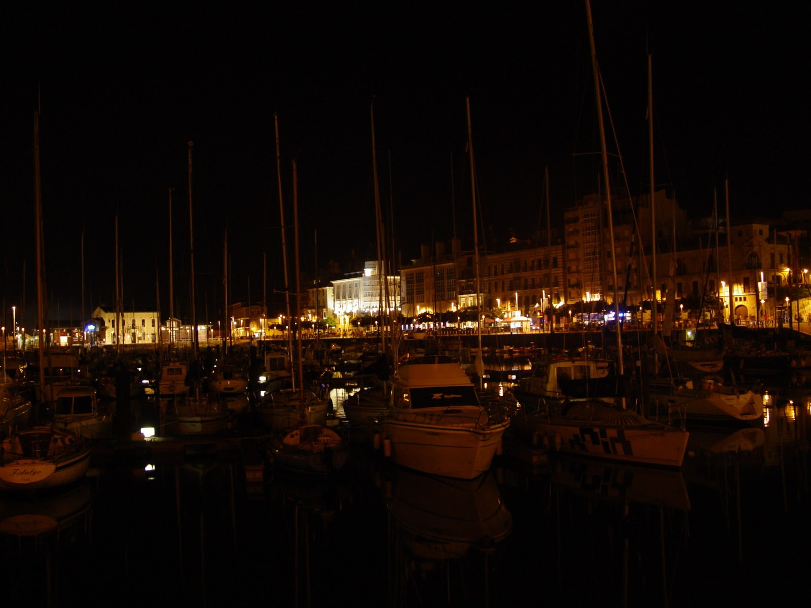 gijon noche asturias puerto