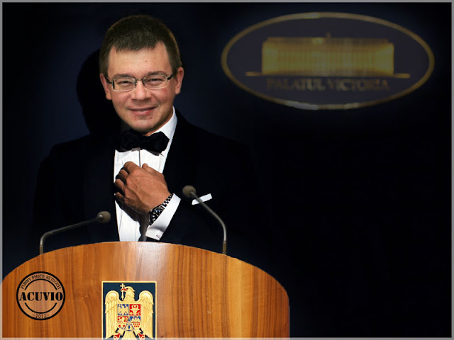 Funny photo Mihai Răzvan Ungureanu prim-ministru