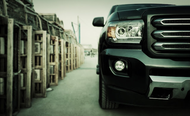 2015 GMC Canyon SLE front