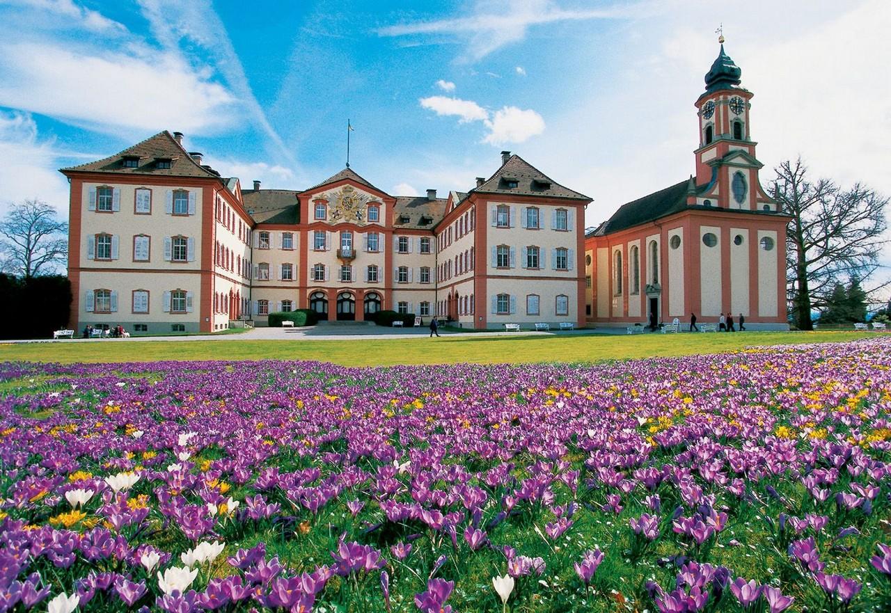 Insel_Mainau_Barockschloss_und_Schlosskirche.jpg