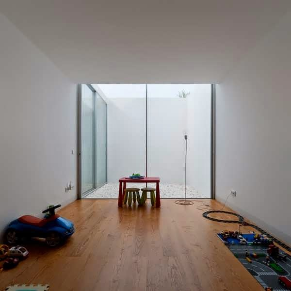 Combine house and basement make a minimalist house design for Minimalist design concept