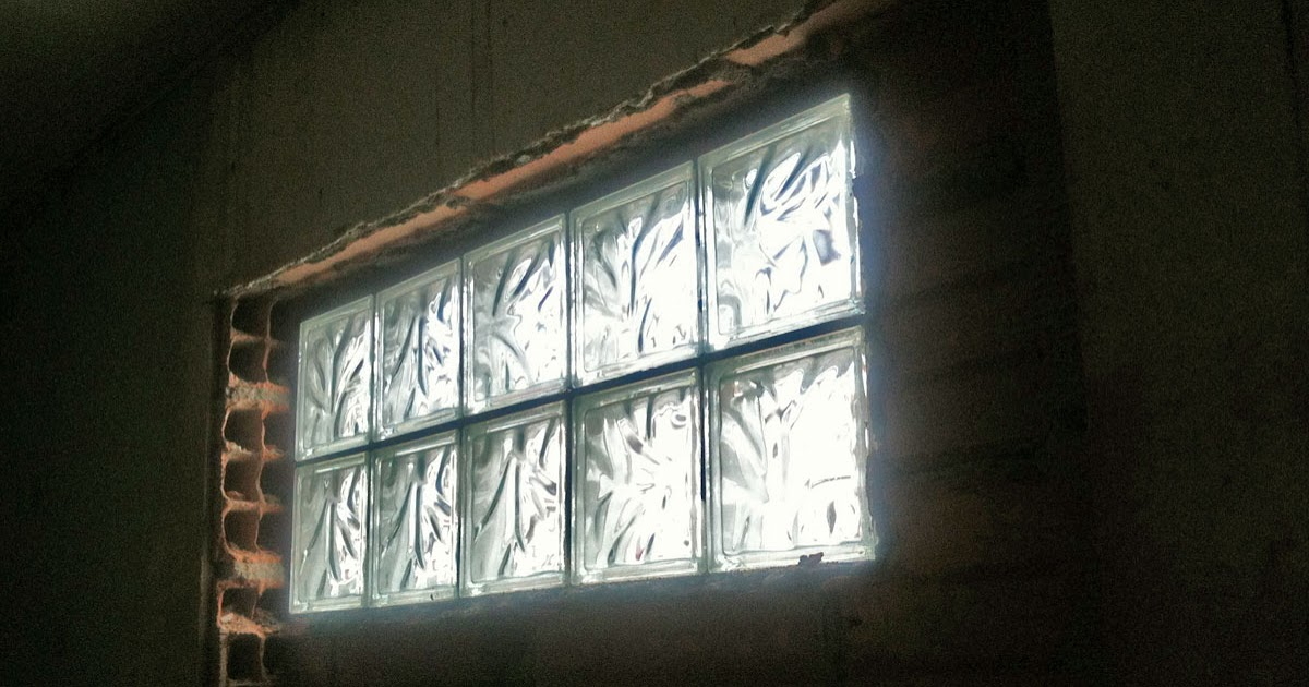 D coration de la maison poser des briques de verre dans - Brique en verre exterieur ...