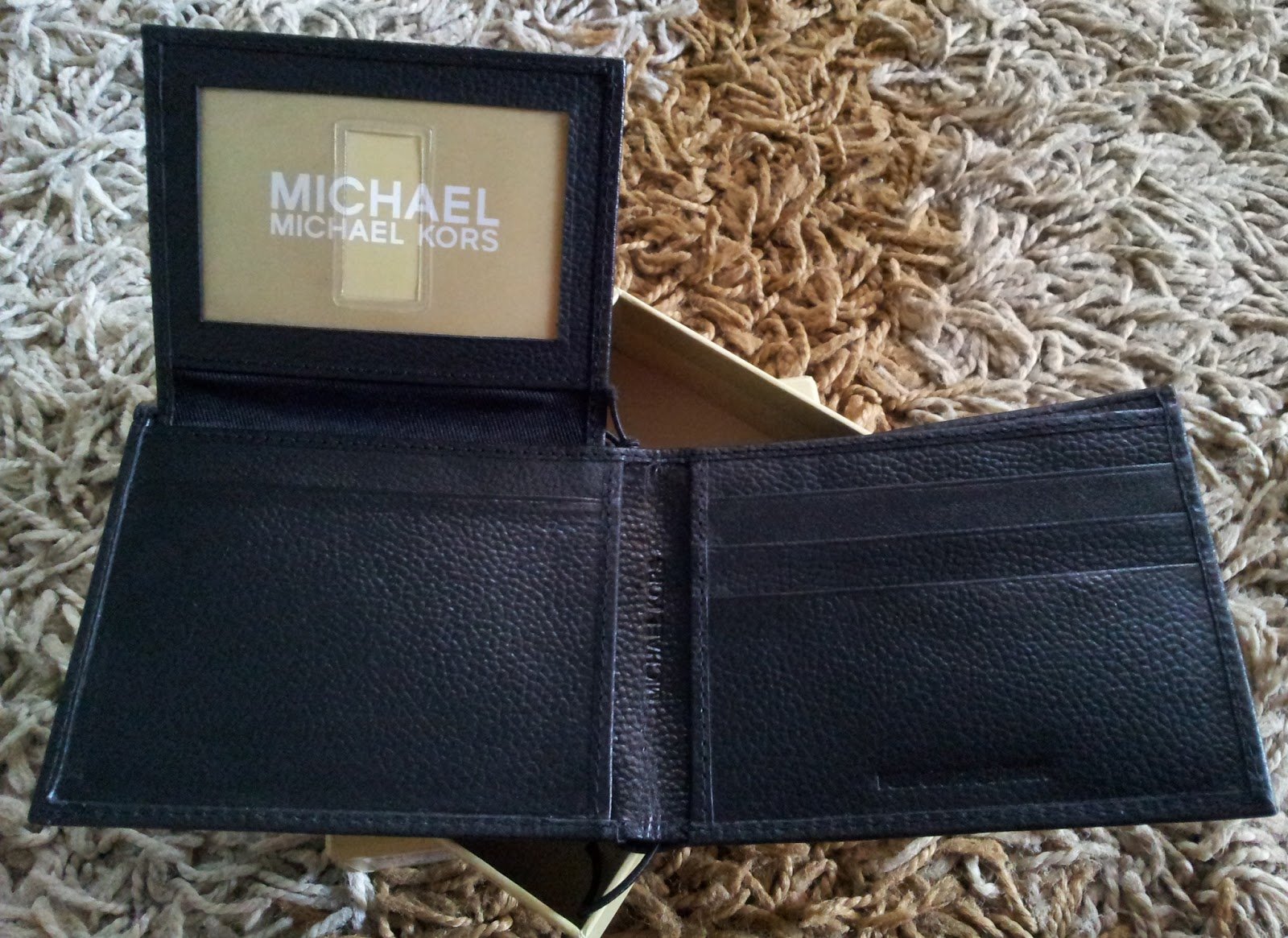 Prettytreasure2u Michael Kors Mens Leather Passcase
