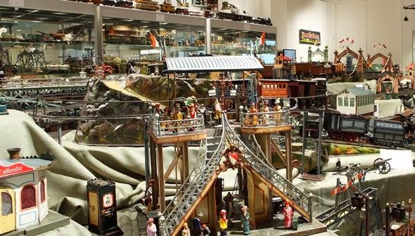 Bộ sưu tập đồ chơi lớn nhất thế giới  2