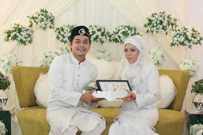 Izzue Islam Sah Bergelar Suami