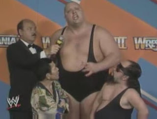WWF / WWE WRESTLEMANIA 3 - King Kong Bundy with Little Tokyo and Lord Littlebrook