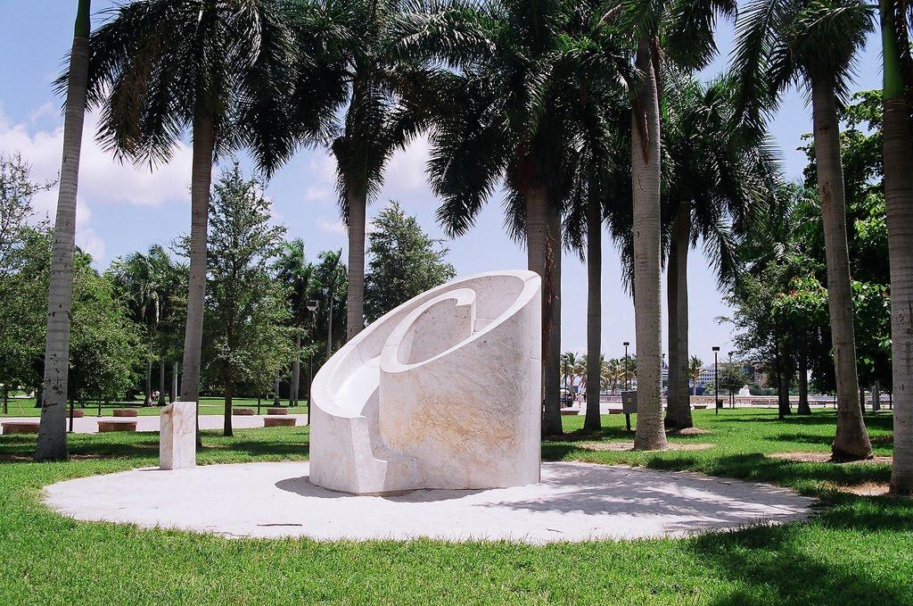 Isamu Noguchi In The Usa Modern Design By