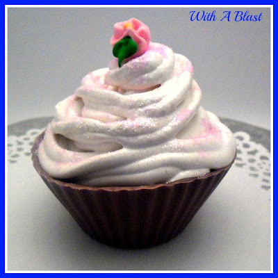 Choc Cup, Caramel Center and Mallow Frosting ~ Caramel in a Chocolate Cup topped with homemade Marshmallow ~ ste-by-step directions #SweetTreats #ChocolateCups